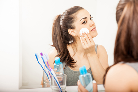 DAILY ROUTINE: The best way to remove makeup