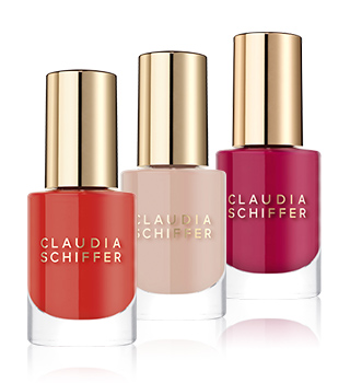 Claudia Schiffer Make Up Nails
